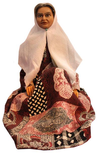 عروسک زن پیر
