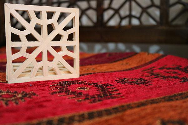 خرید پارچه برای تخت سنتی در منزل