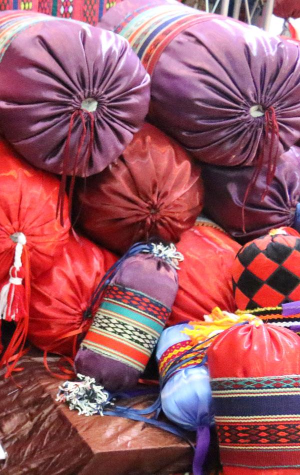 خرید بالش گرد سنتی