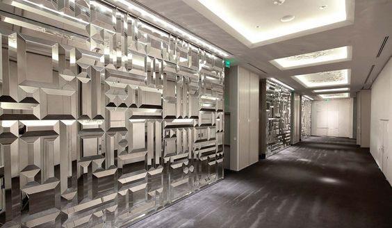 آینه کاری داخل هتل