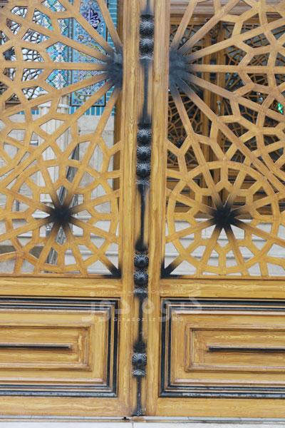 در مسجدی آهنی