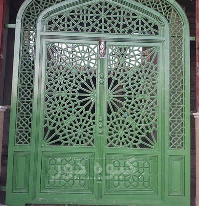 درب آهنی سنتی مسجد