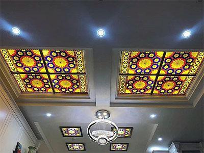 شیشه با طرح سنتی برای نورگیر سقف