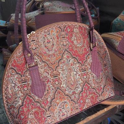 کیف ترمه قرمز
